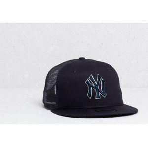 New Era 9Fifty MLB Essential New York Yankees Trucker Cap Navy