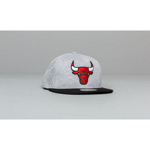 New Era 9Fifty NBA Shadow Tech Chicago Bulls Snapback Grey
